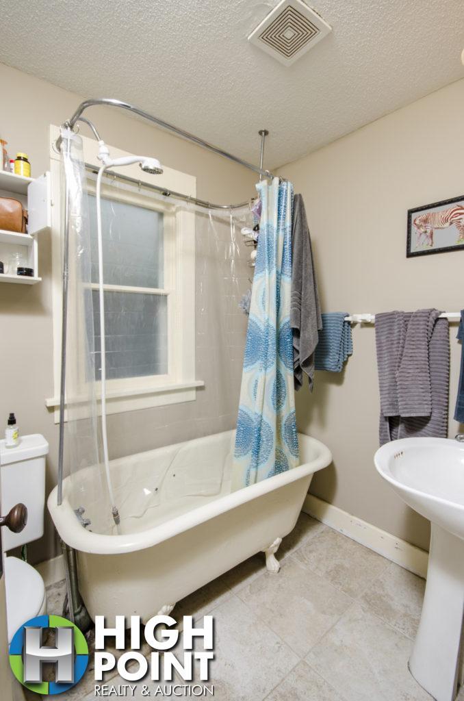413-Bathroom-678x1024