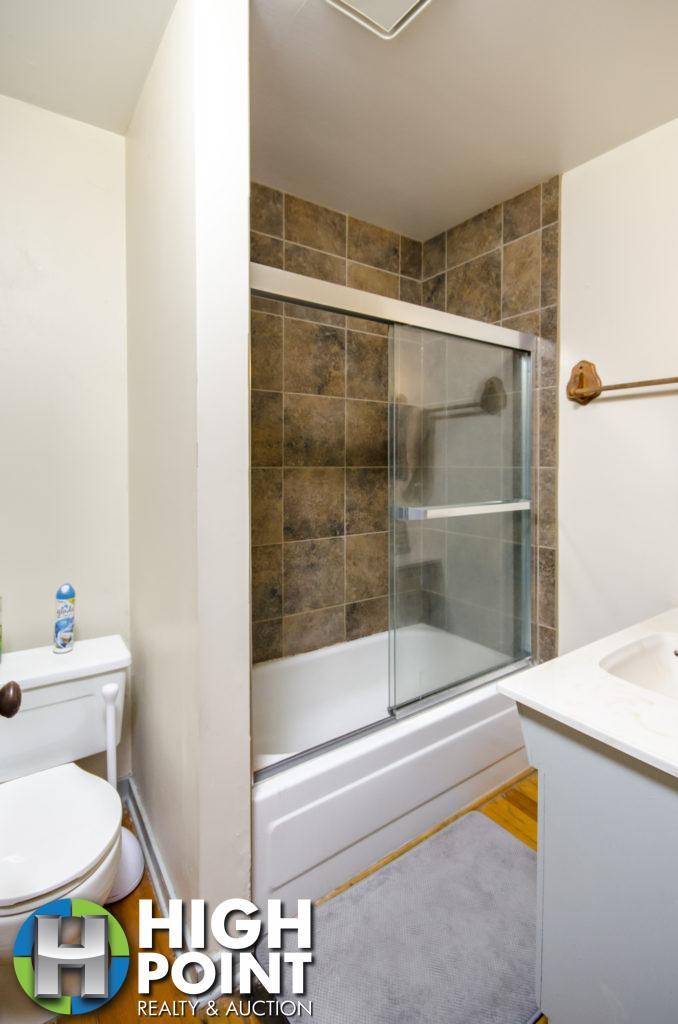 417-Bathroom-1-678x1024