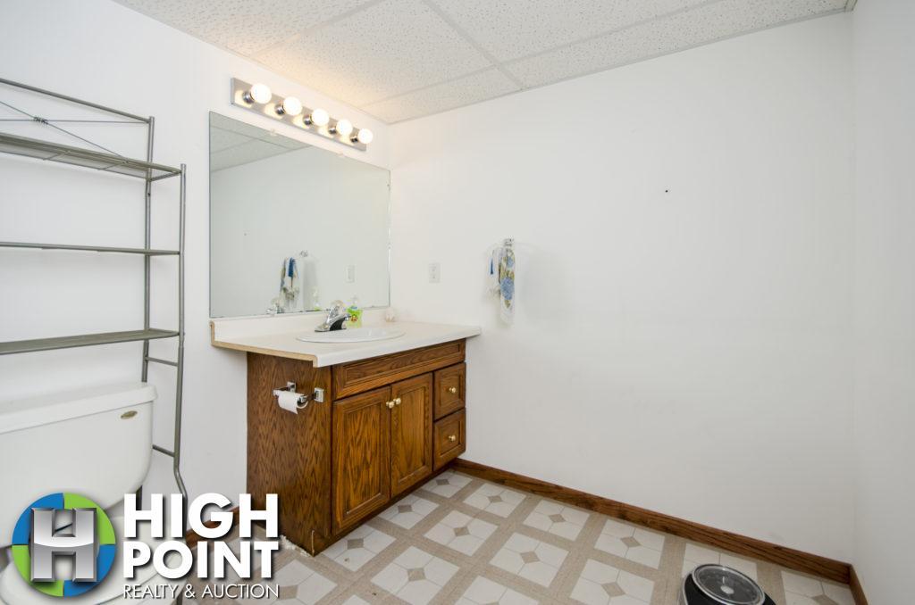 417-Bathroom-2-1024x678