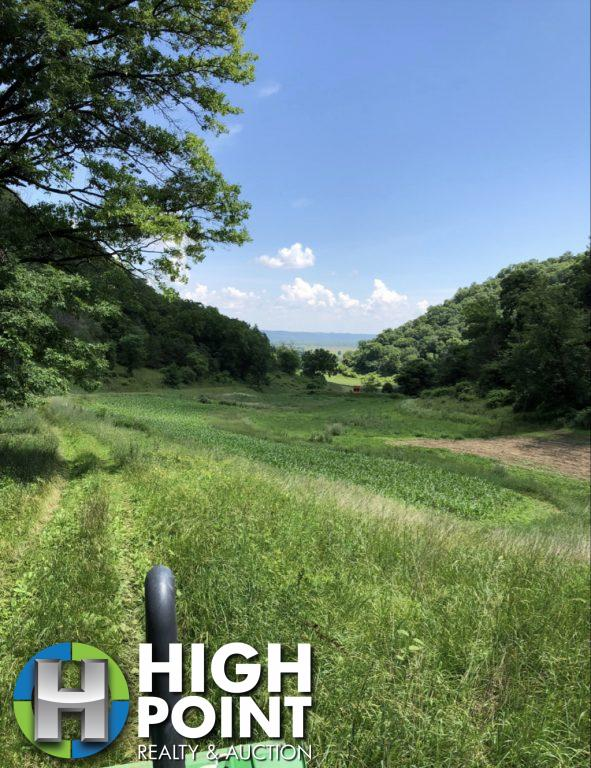 130+/- Acres Allamakee County, IA
